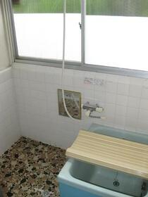 下小鳥戸建の風呂