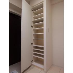 カスタリア尾山台 0305号室の収納
