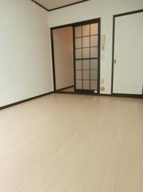 目黒本町ハイツ 0103号室のリビング