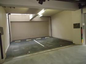 カーサフォーラム 305号室の駐車場
