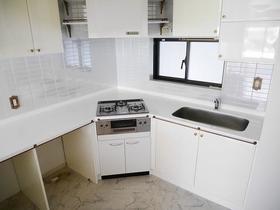 アスパイアーティクス 106号室のキッチン