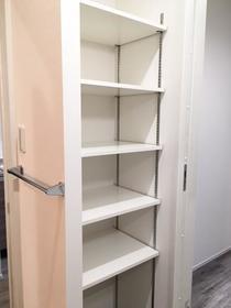 カリヨン 202号室の収納