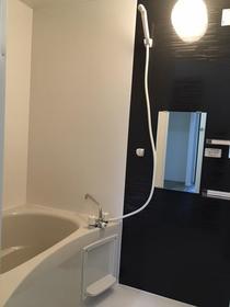 カリヨン 202号室の風呂