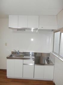 コートウイングW 102号室のキッチン