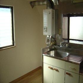 サンハイツ森 301号室のキッチン
