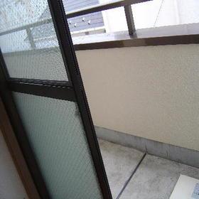 サンハイツ森 301号室のバルコニー