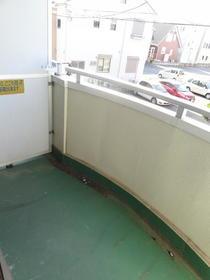 フォーレブランシュ 205号室のバルコニー