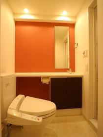 プライムアーバン学芸大学パークフロント 403号室のトイレ