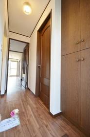 グランハイムSHOEI A棟 101号室の玄関
