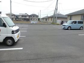 シャルムコート D 102号室の駐車場