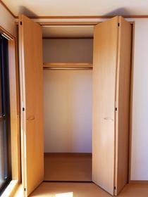 ハイツ八千代 103号室の収納