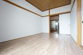 コーポラス富岡 203号室の居室