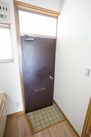 コーポラス富岡 203号室の玄関