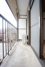 コーポラス富岡 203号室のバルコニー