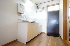 コーポラス富岡 203号室のキッチン