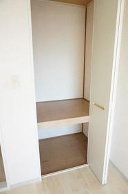 ジュネスエルI 103号室の収納