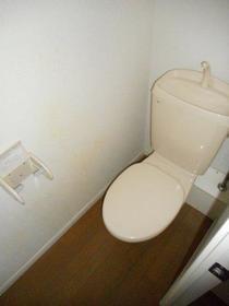 ハレアカラ 106号室のトイレ