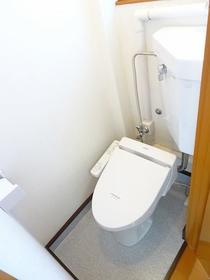 グリーンフラッツI 301号室のトイレ