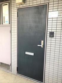 RHK鈴谷6 406号室の玄関