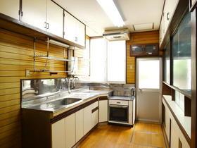 原貸家のキッチン