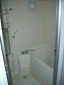 オークハウス 306号室の風呂
