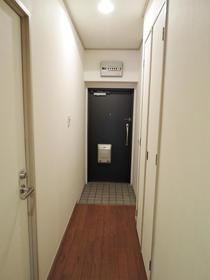 NICハイム中目黒 00904号室の玄関