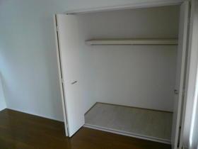 ISOフラット 102号室の収納