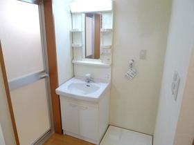 メゾンエヴァンタイユ 101号室の洗面所
