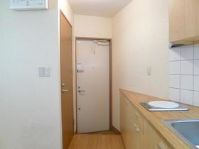 メゾンエヴァンタイユ 101号室の玄関
