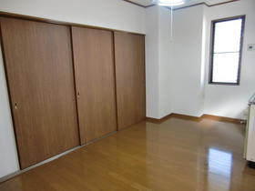 カトレアハイツ 203号室の収納