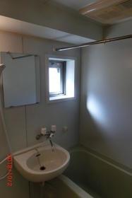 ロワール島津山南 502号室の風呂