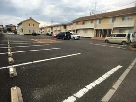 サンファースト A 103号室の駐車場