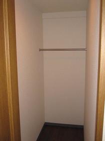 オーシャンヒルズ東山 101号室の収納