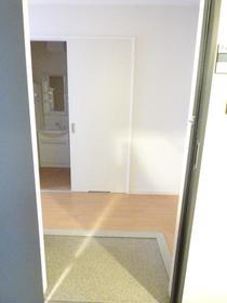 リビオン 203号室の玄関