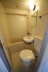 ヴェラハイツ鶴見 1004号室の風呂