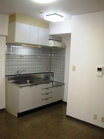 ウエスチングハウスⅢ 103号室のキッチン