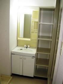 ウエスチングハウスⅢ 103号室の洗面所