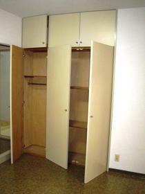 ウエスチングハウスⅢ 103号室の収納