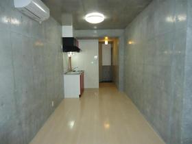 クーヴェラ三宿 201号室のリビング