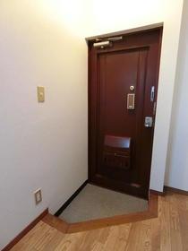 フラット14 501号室の玄関