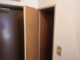 ユースフル田園調布 201号室の収納