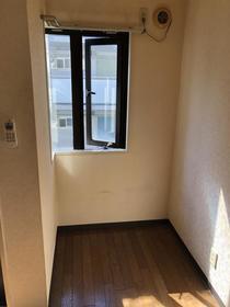 風間マンション 203号室の収納