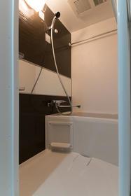 鷹番2丁目マンション 302号室の風呂