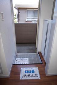 ファミユK 202号室の玄関