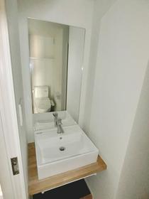 レヴァンテ都立大学 302号室の洗面所