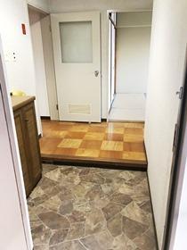 とよはるサンハイツB棟 503号室の玄関