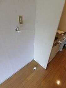 ユアーズ下馬 102号室の玄関