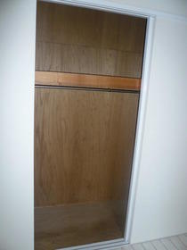 グリーンヒル鷹番 103号室の収納