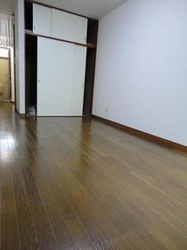 希望荘 203号室の居室