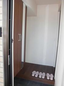 ペイサージュ箕田 102号室の玄関